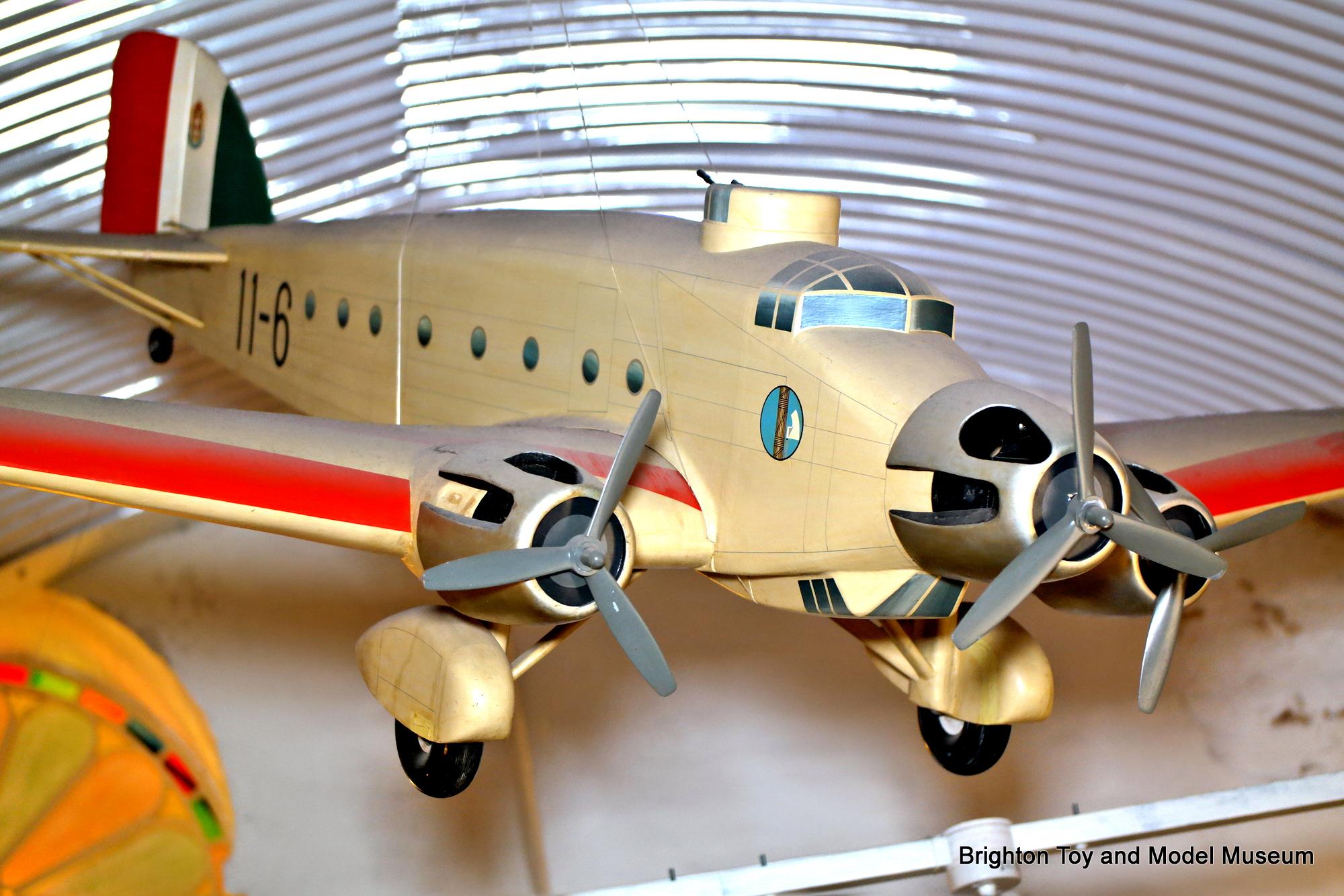 Savoia marchetti sm 79 gobba page 4 - Savoia Marchetti Sm81 Pipistrello Radio Controlled Trimotor Model Airplane Denis Hefford