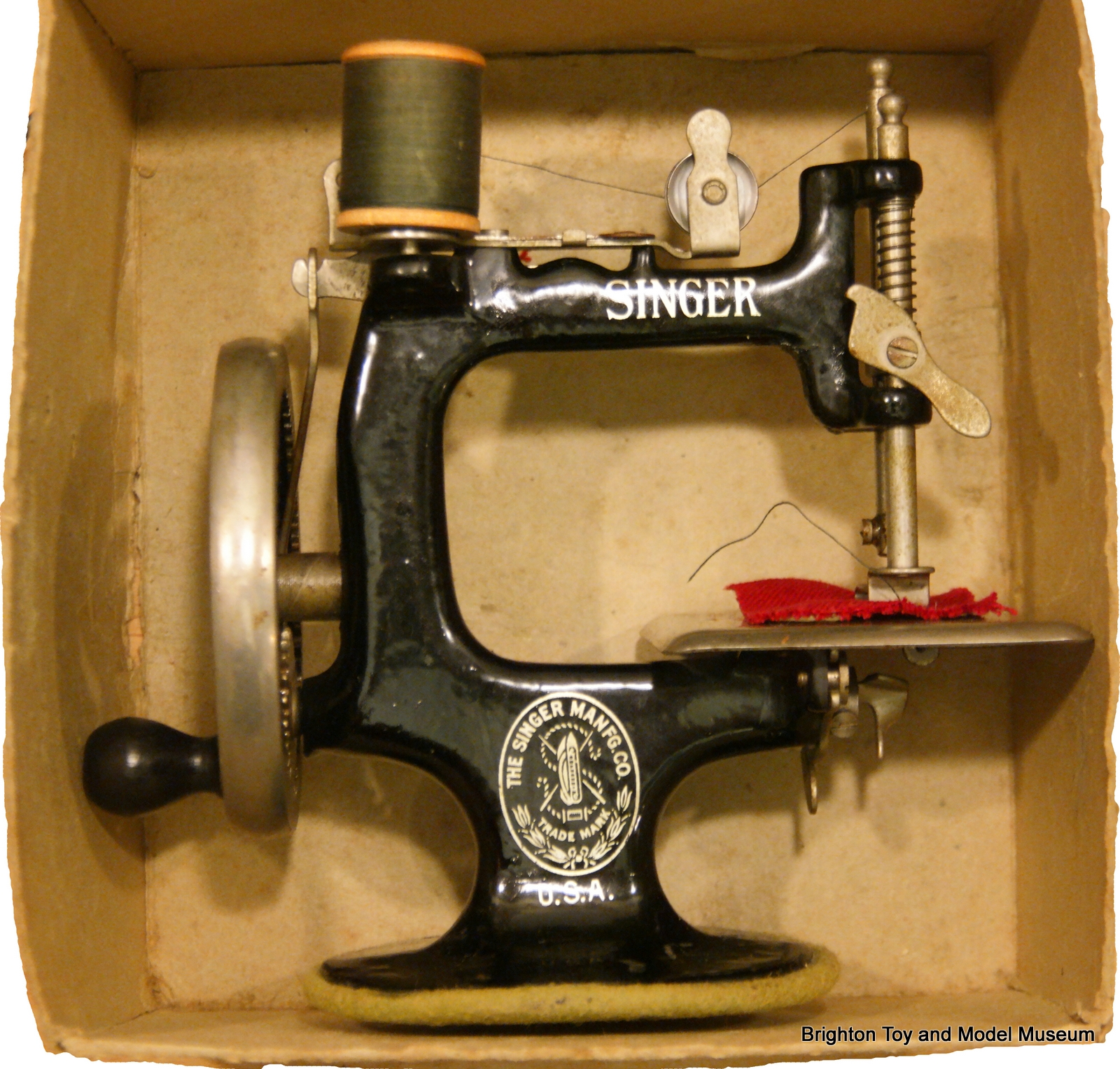Singer Model 20 sewing machine - The Brighton Toy and Model