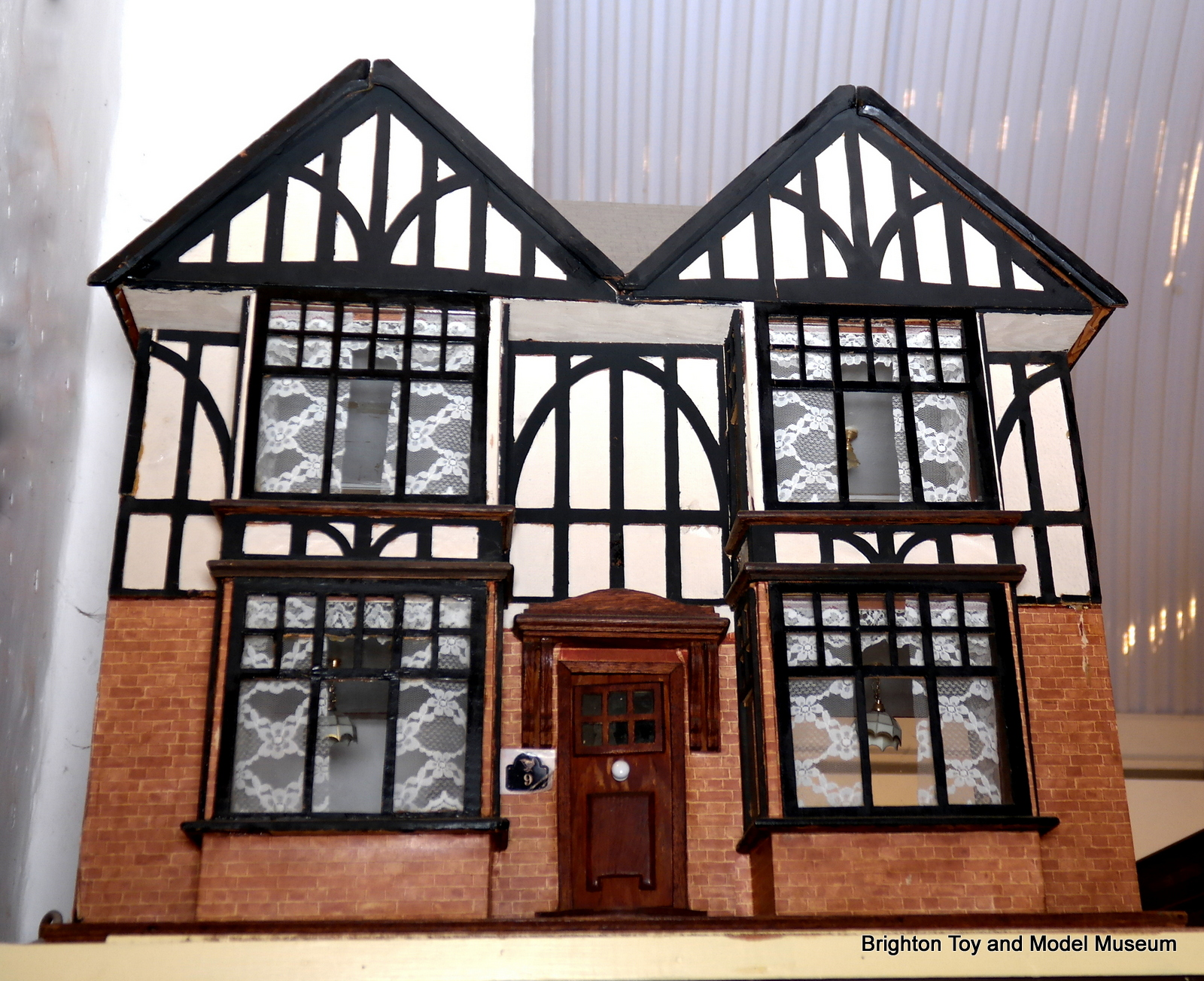 Tudor Dolls House (Hobbies No186 Special) - The Brighton Toy and Model Index