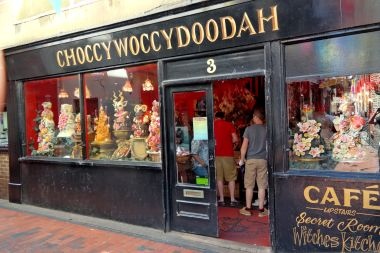 Choccywoccydoodah, 3 Meeting House Lane, The Lanes, Brighton