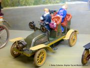 Double-Phaeton clockwork car, 1905 (Bing).jpg