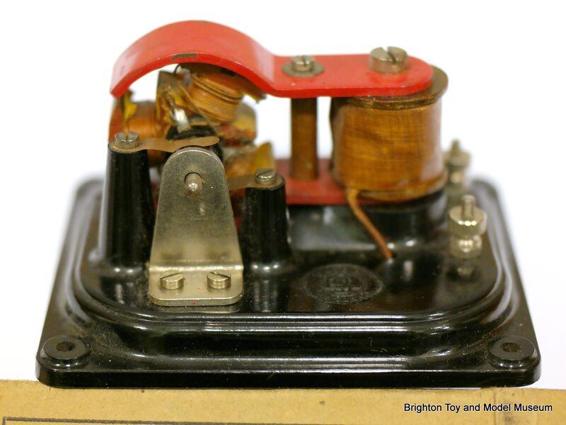 File electric motor 4 volt sel 1262 jpg the brighton for Abc electric motor repair