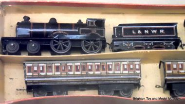 """George the Fifth"" early N-scale floor train set, Bing"