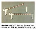 Lifting Booms for Level Crossing RM901, Minic Motorways RM904 (TriangRailways 1964).jpg