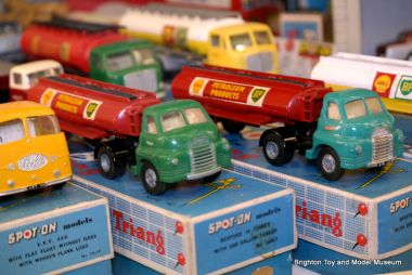 Bedford lorries, Tri-ang Spot-On