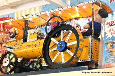 "Meccano retailer's motorised promotional display model of a ""Showman's Engine"", with sequencing lights"