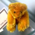 Miniature Golden Bear, from above (Schuco).jpg