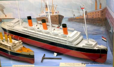 Bing Ocean Liner, Third Series, clockwork