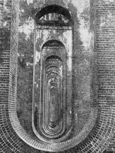~1935: View through the pierced piers