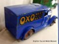 Oxo Delivery Van (Dinky Toys 28d).jpg