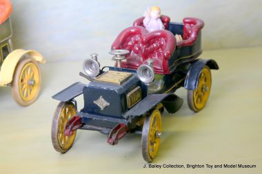 "Bing clockwork ""Tonneau"" motor car"